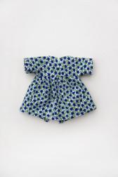 robe_fleursbleues_poupon_20cm_portee